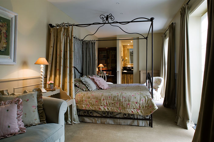 dreaming of our hotel room in bruges