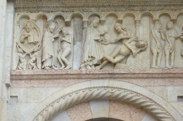 Duomo Modena -medieval stone work