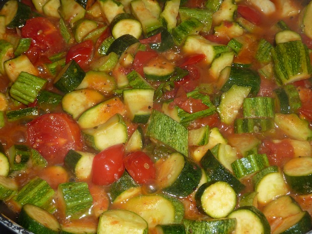 cooking up Umbrian summer vegetables -cooking classes at Genius Loci