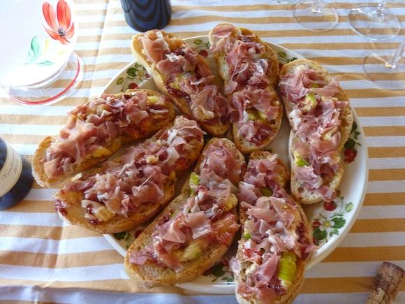 September figs on bruschette at Genius Loci